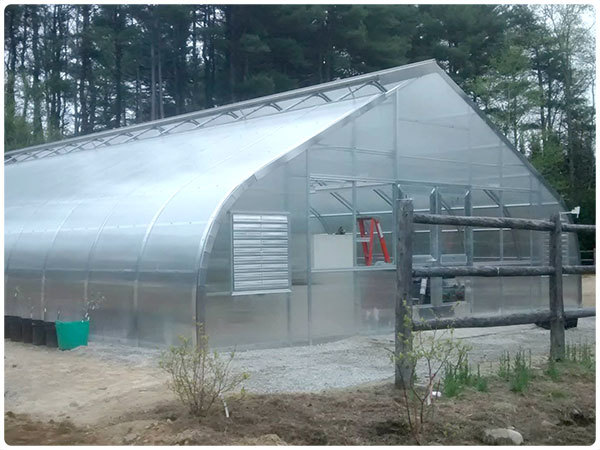 Freestanding Polycarbonate Greenhouse